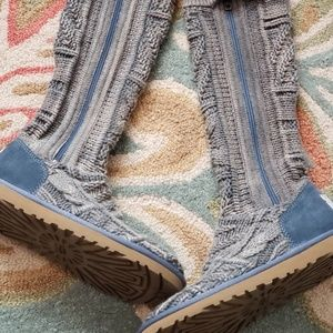 Sweater uggs boots